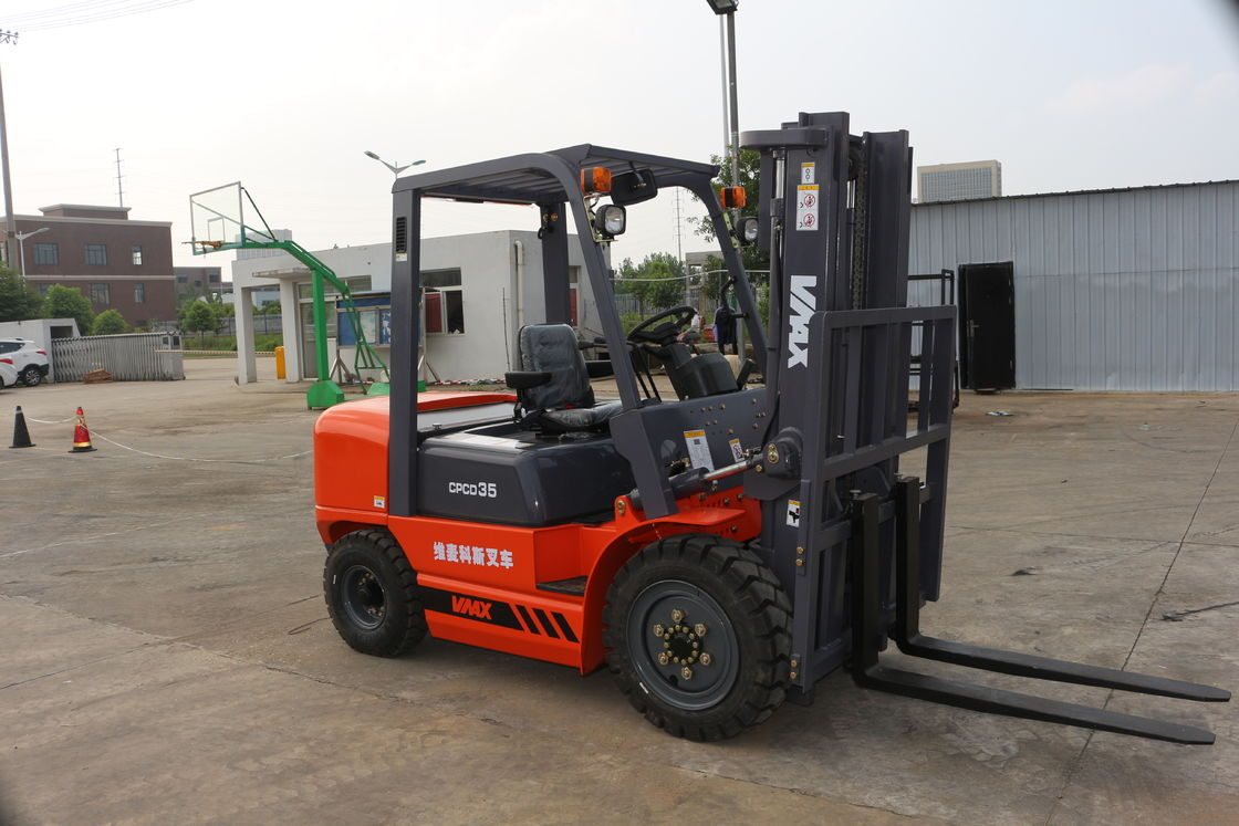 6m Lifting Height Diesel Powered Forklift Rough Terrain With Side Shifter